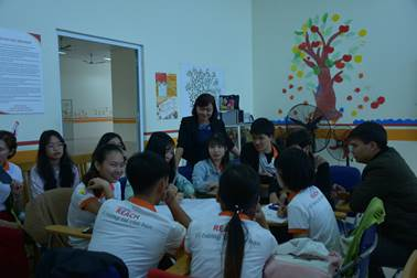 A group students discuss about gender and class
