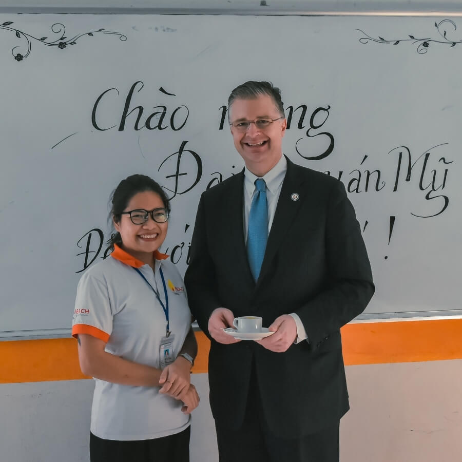 THE U.S AMBASSADOR took a photo with Food and Beverage student